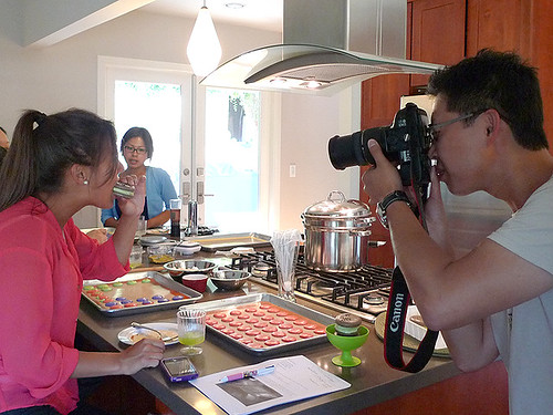 My niece Kindal @ Macaron Class being photographed by Hong