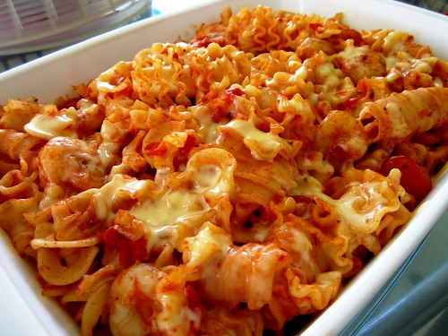 STP's prawn cheese pasta - baked