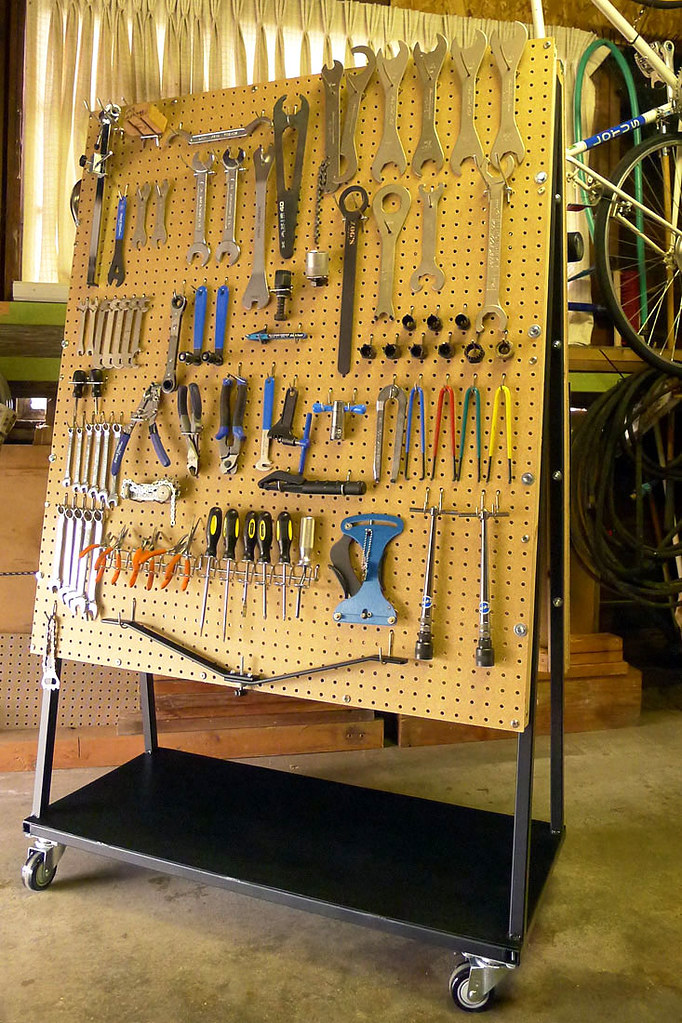 Mobile bike tool cart