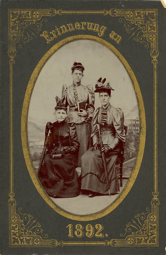 Laura and Mary Thresher in Europe, 1892