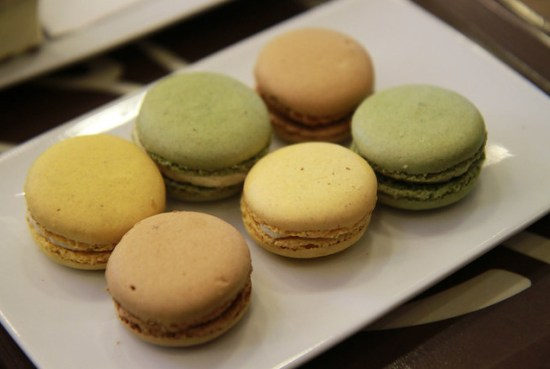 macarons lemon pistachion caramel