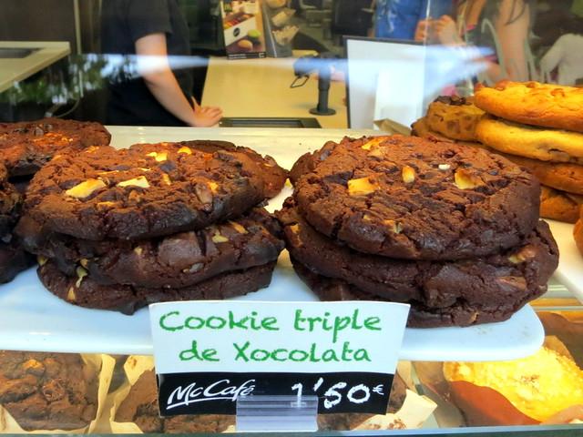 McCafe Barcelona- cookie triple de xocolata €1.50
