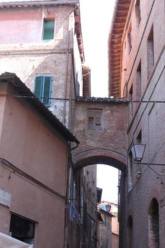 20120808_5032_Siena-street