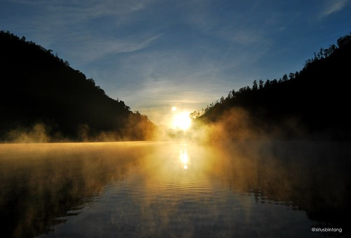 Sunrise at Ranu Kumbolo [On Explore]