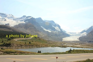 columbia icefield below