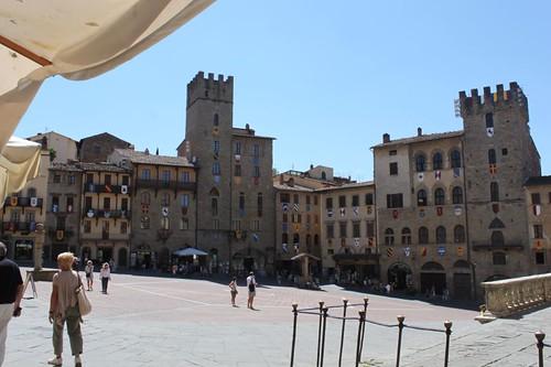 20120809_5111_Arezzo-piazza-del-campo