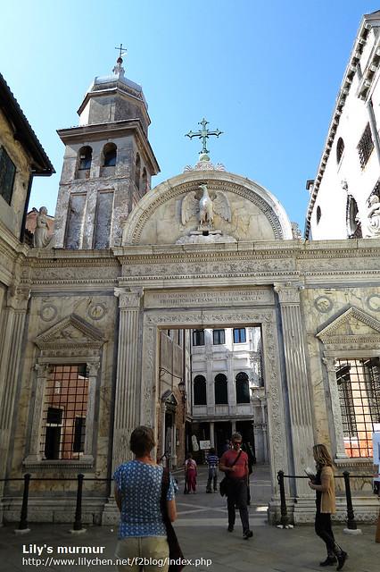 一座美麗的教堂,但一直找不到好角度拍,此時就會開始怨歎自己沒有好器材跟好技術,無法完整紀錄威尼斯之美。