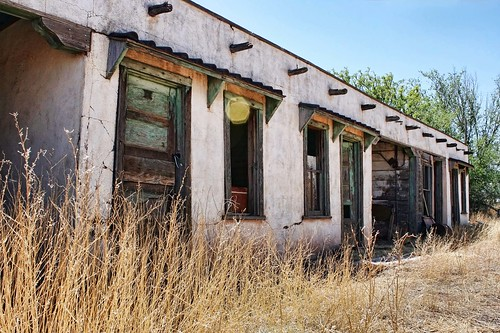 Unknown abandoned motor court, Route 66, NM, USA. Photo copyright Jen Baker/Liberty Images; all rights reserved.