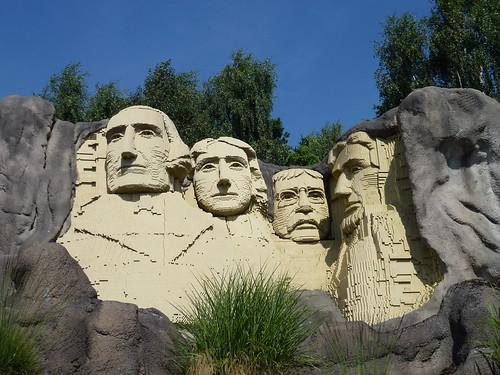 Mount Rushmore, Legoland