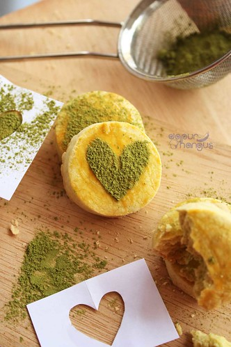 kue sagu green tea