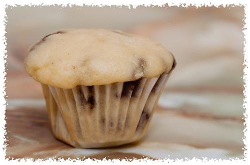 Vanilla Chocolate Chip Muffin