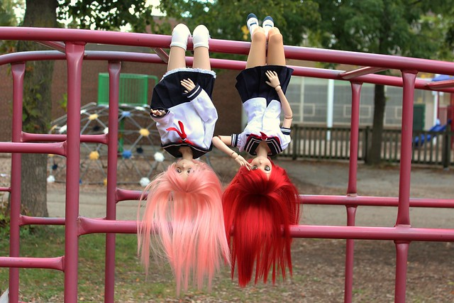 Harumi and Yoko being monkeys!