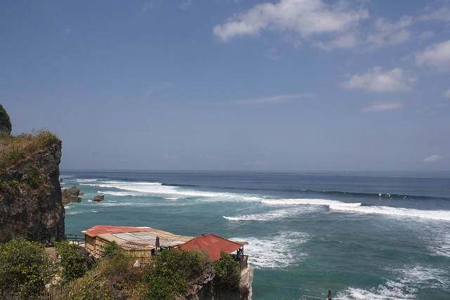 Uluwatu Surfing Bali