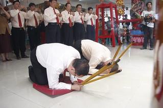 Upacara Ritual HUT Dewi Maco