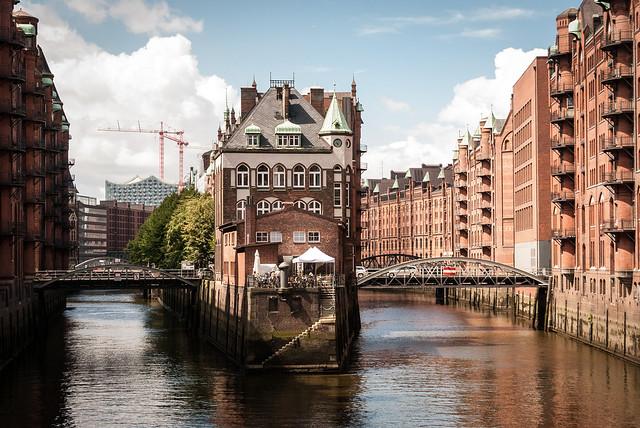 Hamburg & MeckPomm: Wasserschloss