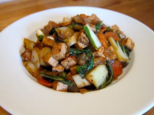 Indonesian Vegetable and Tofu Scramble