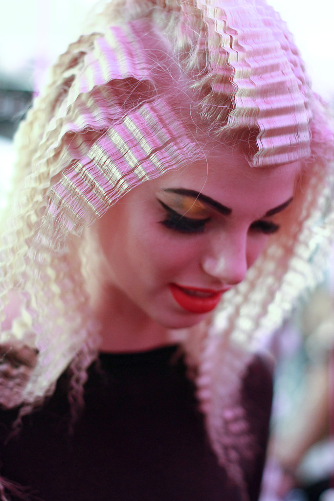 BETSEY JOHNSON S-S 2013 BACKTAGE-21