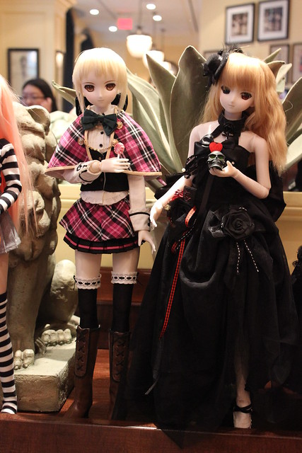Saber Alters! CenturyStory's Primula on the right