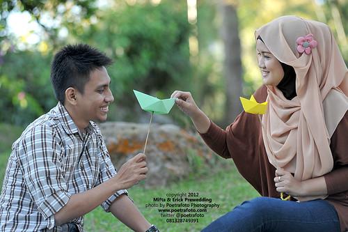 FOTO PRE WEDDING OUTDOOR: Konsep Bermain Asik :) by POETRAFOTO - Fotografer Yogyakarta Indonesia