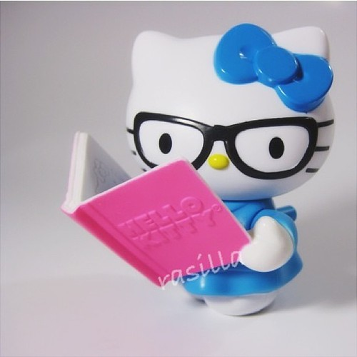 Oh #hellokitty I need to be more studious like you haha...#mcdonalds#happymeal#bookworm