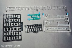 ANA 00 Raiser Gundam HG 1-144 G30th Limited Kit OOTB Unboxing Review (19)