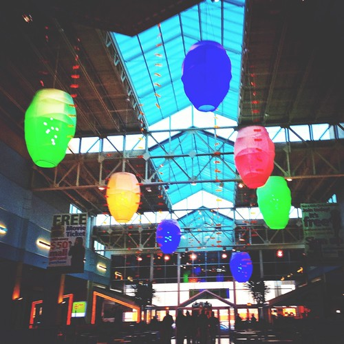 15/365 Balloons by Wanderlande