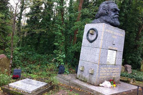IMG_4184_KarlMarx_CommunistCorner_Highgate_east_cemeteryB