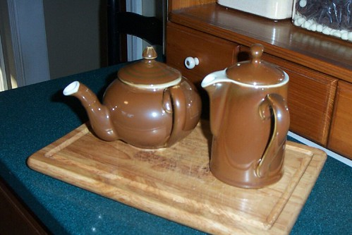 My new vintage brown tea & coffee pots from England