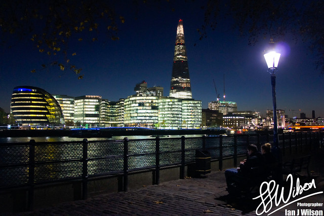Shard Couple – Daily Photo (18th November 2012)