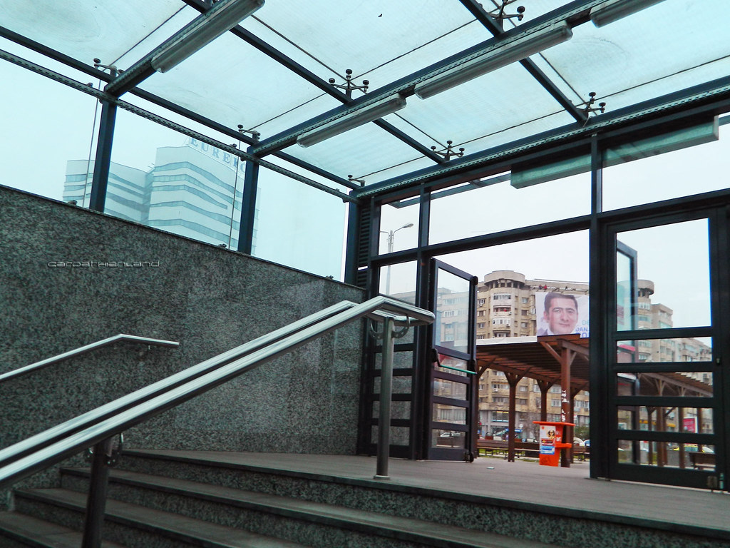 Muncii Square Metro station, Bucharest
