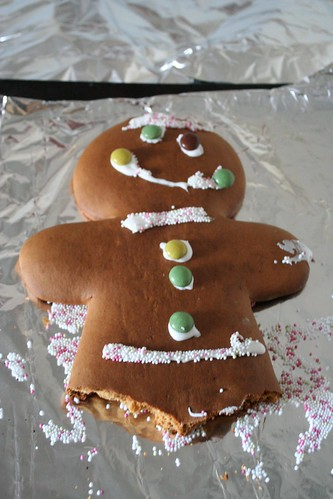 Advent Day 12 :: Make a giant gingerbread man