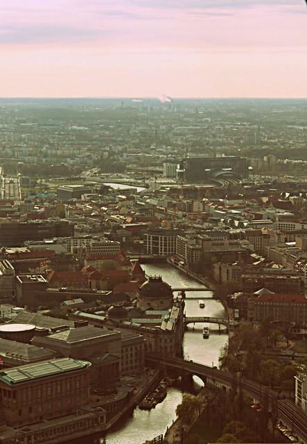 BERLIN 12 177