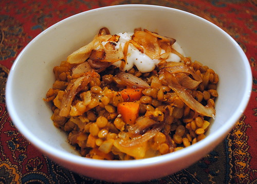 Sweet onions with lentil stew