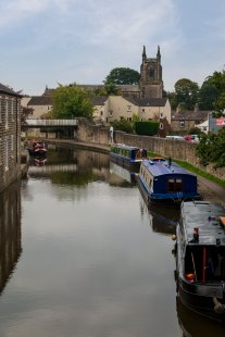 Skipton canal - south view from Belmont Bridge