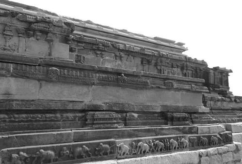 Carvings on wall of Mahanavami Dibba