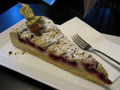 kirschstreusel -cherry crumble cake
