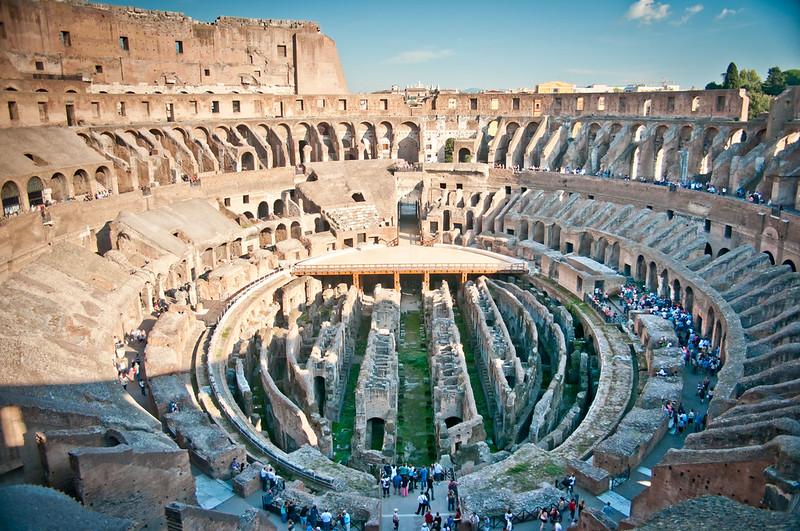 ColosseumWalksOfItaly-19