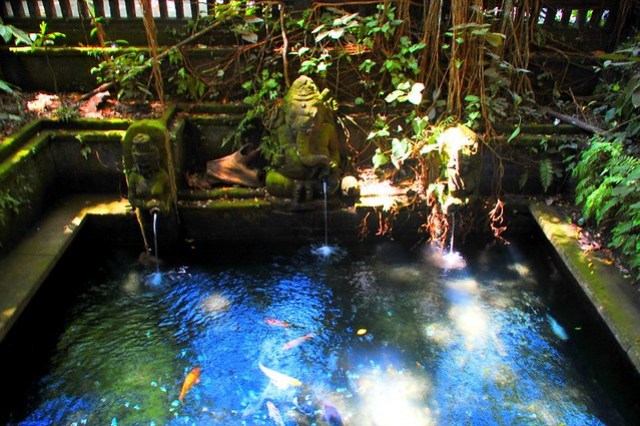 Ubud bathing temple