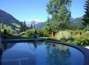 Gstaad Palace - piscine extérieure