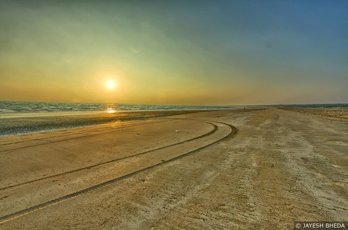 Sunset at Windfarm beach, Mandvi, Kutch, Gujarat by Jayesh Bheda