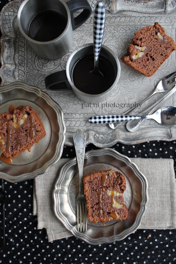 Cake for me - bananas, rum, cocoa, caramel