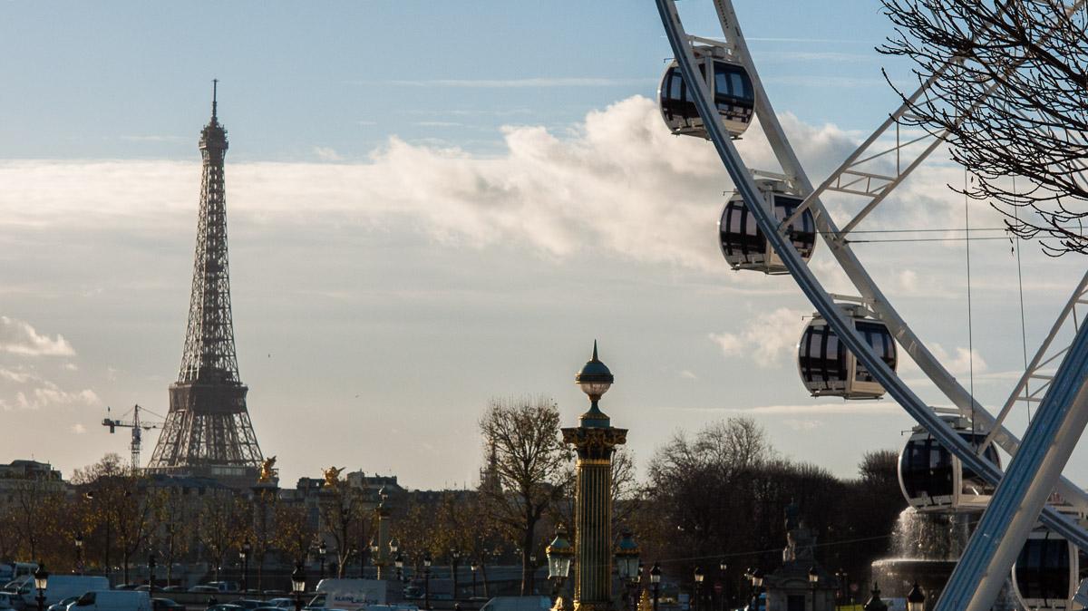 La noria de las Tullerías y la Torre Eiffel