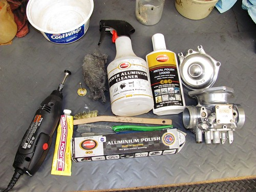 Tools for Cleaning, Polishing Carb Body