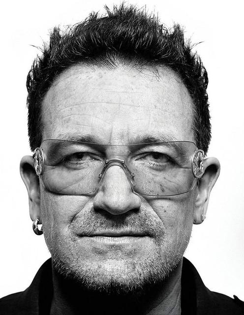 MIT Technology Review enero 2013 foto Bono