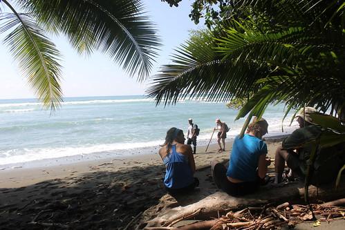 No hicimos ninguna foto de las rocas que había que pasar, pero sí del punto que sale a la playa.