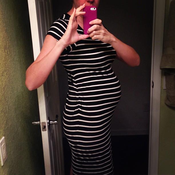 22 weeks! Do the stripes make me look bigger or smaller??