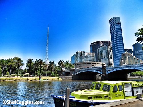 Day 6/365 (2013): Cruising along Melbourne