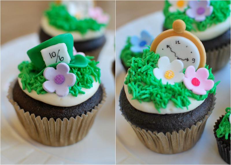 Alice in Wonderland Chocolate Cupcakes