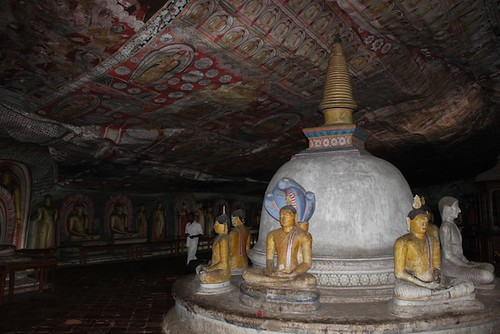 IMG_6631-Dambulla-Royal-Rock-Temple-cave4
