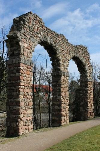 2013.03.09.298 - SCHWETZINGEN - Schwetzinger Schlossgarten - Römische Wasserleitung